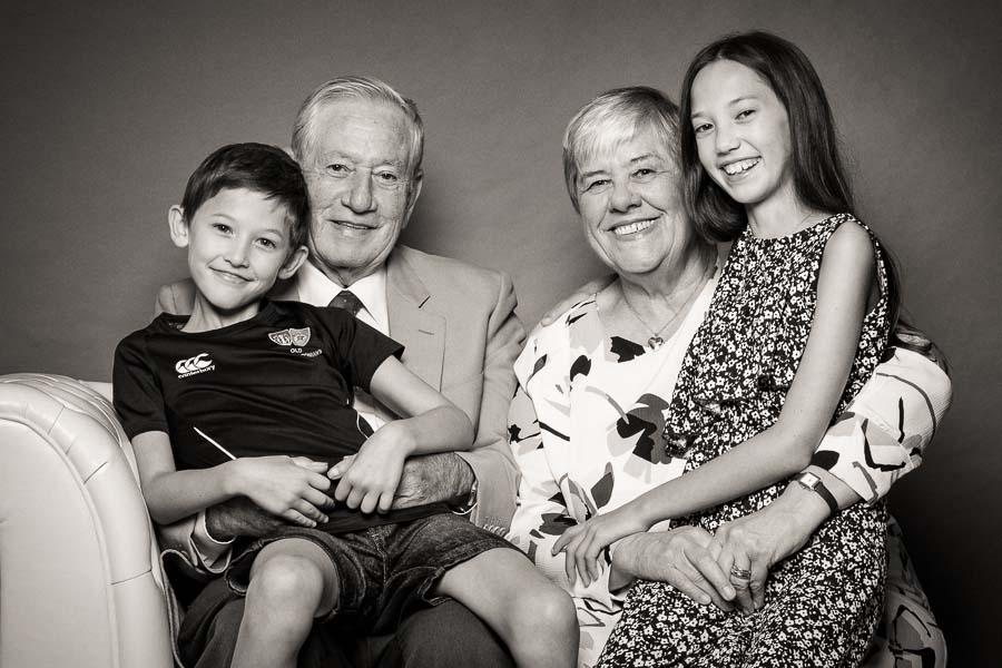 family-portrait-with-grandparents