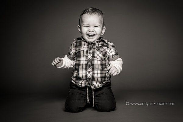 kneeling-toddler-photography-jan2018